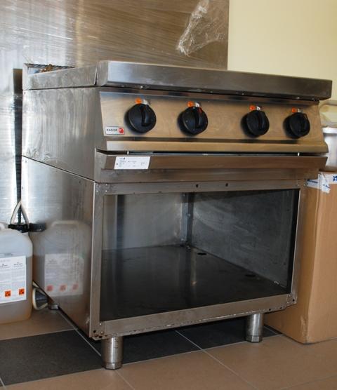 Kuchnia 4 palnikowa elektryczna Fagor -> Kuchnia Gazowa Fagor
